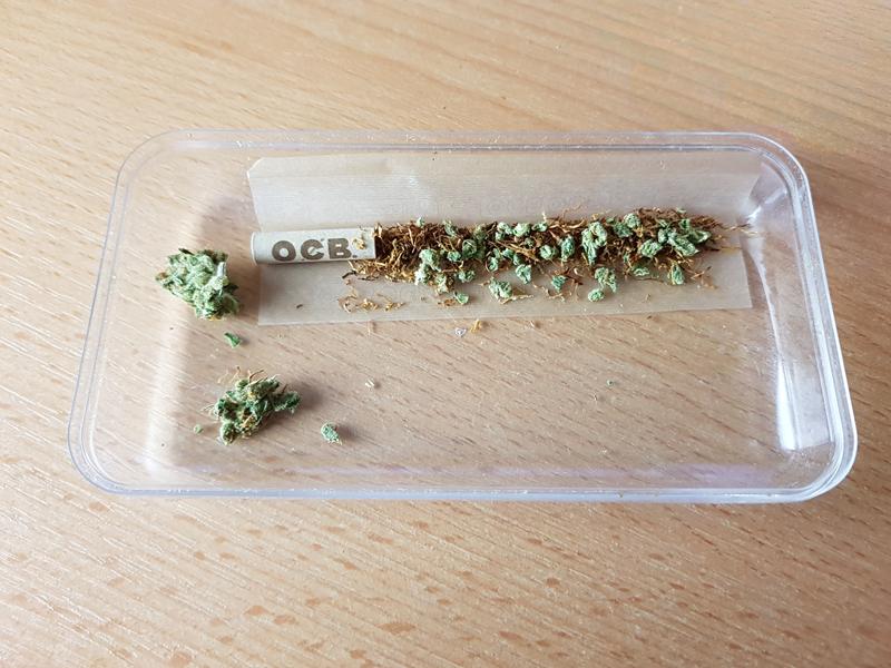 Einen-Joint-richtig-befuellen-1